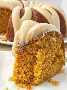 Caramel pumpkin bundt cake is so moist, perfectly pumpkin spiced and topped with a homemade salted caramel frosting. The best pumpkin bundt cake. 13 Desserts, Delicious Desserts, Dessert Recipes, Fall Cake Recipes, Homemade Desserts, Health Desserts, Pumpkin Bundt Cake, Pumpkin Dessert, Pumpkin Pumpkin