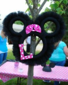 Minnie Mouse birthday party ideas this is a cute idea for a centerpiece! @Lacy Beckstrom Beckstrom Beckstrom Benedict #Christmas #thanksgiving #Holiday #quote
