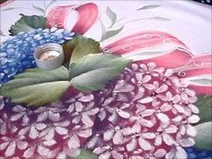 Pintura em tecido Hortênsias parte 2 retoques - YouTube