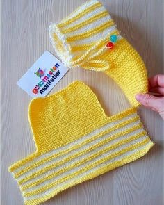 Best rated 73 women's and baby knitwear models in 2019 – Knitting Models Crochet Slipper Pattern, Knitted Slippers, Crochet Slippers, Knitted Hats, Easy Knitting, Knitting Stitches, Knitting Socks, Animal Knitting Patterns, Crochet Patterns