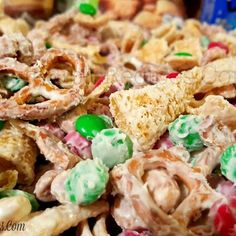 Christmas Reindeer Crack @keyingredient #recipes #chocolate