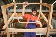 L'ébéniste designer Ludovic Avenel dans son atelier. http://atelierdecreateur.fr/vitrine/avenel/
