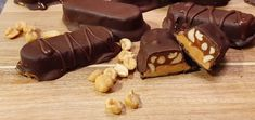 Lavkarbo Snickers – (autentisk smak) Keto, Snacks, Desserts, Food, Caramel, Tapas Food, Appetizers, Meal, Deserts