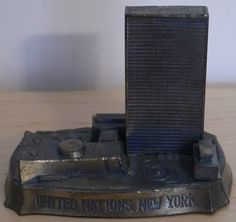 UNITED NATIONS Vintage Metal Souvenir Building Replica New York City.