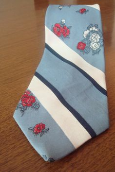Mens Vintage Tie // 1970s Mens Tie // Blue and Red by BeastVintage, $22.00