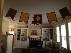 Boys' knight party decorations: diy paper banners strung with ribbon Boy Birthday, Birthday Parties, Choir Room, Medieval Party, Knight Party, Paper Banners, Old Boys, Diy Paper, Party Themes