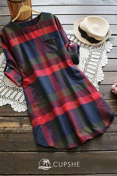 Plus Plaid Curved Hem Tee Dress Check out this Plus Plaid Curved Hem Tee Dress on Shein and explore more to meet your fashion needs! Fashion 90s, Latest Fashion Clothes, Fashion Outfits, Tee Dress, Plaid Dress, Plaid Scarf, Plaid Tunic, Casual Dresses, Casual Outfits