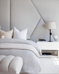 Modern Home Furniture. Make Life Easier On Yourself With These Home Improvement Tips! It's difficult to figure out where to begin when it comes to home improvement, however, it does not need to be. Modern Home Interior Design, Modern Home Furniture, Interior Architecture, Bedroom Furniture, Home Bedroom, Master Bedroom, Bedroom Decor, Bedrooms, Contemporary Style Homes