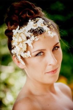 WEDDING Bridal hairpiece with rhinestones by hairbowswonderworld