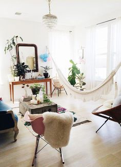 95 Inspirational Living Room Hammocks & Hanging Chairs 2019 - Home Design Ideas Living Room Hammock, My Living Room, Living Room Chairs, Bedroom Hammock, Lounge Chairs, Living Spaces, Dining Room, Indoor Hammock, Hammock Chair
