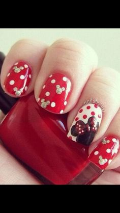 Minnie Mouse Nails- really considering this one for my holiday, but on the dot ones no mouse heads Disney nails Fancy Nails, Trendy Nails, Love Nails, My Nails, Classy Nails, Pink Nails, Ongles Mickey Mouse, Minnie Mouse Nails, Mickey Mouse Nail Design