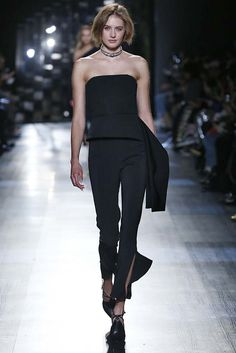 708eb36a4b868 This   Cushnie et Ochs   Amina Corset Top features a strapless neckline and  draped side panel.