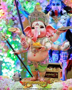 Baby Ganesh Jai Ganesh, Ganesh Statue, Shree Ganesh, Lord Ganesha, Ganesh Wallpaper, Radha Krishna Wallpaper, Krishna Art, Baby Ganesha, Hindu Deities