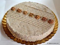 Crema de nuca fiarta in lapte (cu unt) reteta veche   Savori Urbane Keto Recipes, Cake Recipes, Dessert Recipes, Romanian Food, Deserts, Food And Drink, Ice Cream, Sweets, Bread