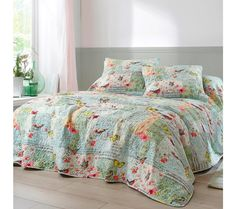 Prikrývka na posteľ s motívmi motýlikov | blancheporte.sk #blancheporte #blancheporteSK #blancheporte_sk #textil #home #textile #domov #dekoracie Textiles, Comforters, Blanket, Bed, Creature Comforts, Quilts, Stream Bed, Blankets, Fabrics