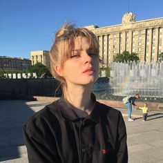 Pin on ボブヘアー I Love Girls, Pretty Girls, Hairstyles With Bangs, Pretty Hairstyles, Bun Hairstyle, Pretty People, Beautiful People, Icon Girl, Peinados Pin Up