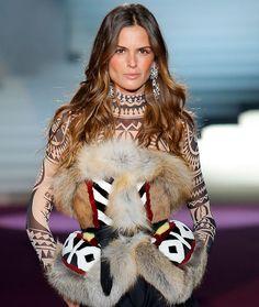 Zoom sur les fourrures inuits du défilé Dsquared² 3 | Vogue