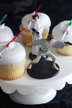 Want To Know How To Throw An Awesome Budget Star Wars Party?