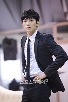 ❤❤ 지 창 욱 Ji Chang Wook ♡♡ why so handsome. Ji Chang Wook, Asian Actors, Korean Actors, Korean Dramas, Yeon Woo Jin, Empress Ki, Jung Il Woo, Park Hyung Sik, Seo Joon