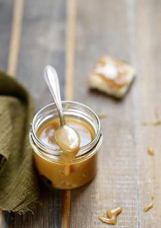 tartinade sirop érable Canadian Cuisine, Maple Syrup Recipes, Sweet Sauce, Cakes And More, Chutney, Fun Desserts, Cooking Time, Sweet Recipes, Creme