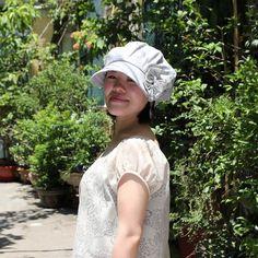 ベレー帽のゆったり感を出しながらつばが付いているので日除けもできる優れものです。素材:綿麻サイズ:M(仕上がりサイズ:59cm/ヌードサイズ:55.5~57)小さめ(仕上がりサイズ:60cm/ヌードサイズ:54.5~56)