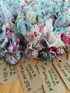 Little bundles of wild flower seeds Amazing wedding favour ideas | Invites and Favours | Plan Your Perfect Wedding #wedding #favours
