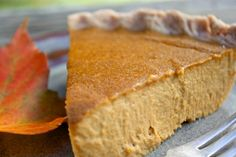 Wrapping up a week of pumpkin-everything here with a traditional pumpkin pie. Well, it tastes traditional but the ingredients are anything but! Creamy cashews and soy … Vegan Sweets, Healthy Desserts, Just Desserts, Dessert Recipes, Vegan Food, Vegan Recipes Plant Based, Delicious Vegan Recipes, Vegetarian Recipes, Easy Thanksgiving Recipes