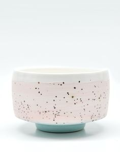 I want this soo bad!! Fiess Tea Bowl in Sorbet Chip ;)