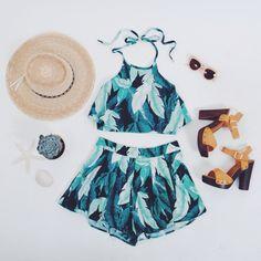 Seriously loving sets! Leaf print shorts & halter