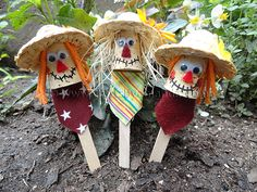 Are you looking for a fun fall craft idea? Then check out this list of 15 Not So Scary Scarecrow Crafts For Kids! Kids Crafts, Popsicle Stick Crafts For Kids, Craft Stick Crafts, Toddler Crafts, Fall Crafts, Diy Crafts For Kids, Crafts To Sell, Art For Kids, Craft Projects