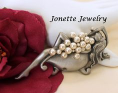 Vintage Faux Pearl  signed JJ Girl in by VintagObsessions on Etsy, $25.00 #Teamlove #vintage #jewelry #Fashion #etsyretwt