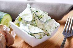 Omas #Gurkensalat ist ein Hit. Dieses Rezept passt sehr gut zu Gegrilltem.
