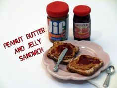 DIY:How To Make A Miniature Peanut Butter and Jelly Sandwich With Polymer Clay - YouTube