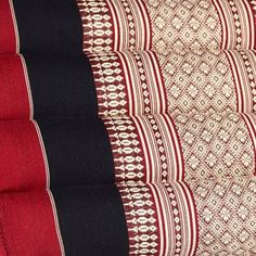 Kapok Thaikissen Yogakissen extralang Koh Tao 115 x 16 x 10cm Thai 701: Amazon.de: Küche & Haushalt Koh Tao, Quilts, Blanket, Household, Quilt Sets, Blankets, Log Cabin Quilts, Cover, Comforters