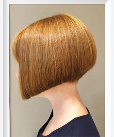 Chic Gray Blunt Haircut - 50 Spectacular Blunt Bob Hairstyles - The Trending Hairstyle Blunt Bob Hairstyles, Blunt Haircut, Blonde Bob Haircut, Bob Haircut With Bangs, Trending Hairstyles, Bob Bangs, One Length Bobs, Aline Bob, Shaved Nape