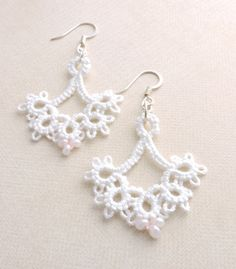 White Lace Floret Earrings with Innocent Pink Toho Magatama Beads and Silver Plated Earwires by PeekoCrafts Lace Jewelry, White Lace, Silver Plate, Tuesday, Jewerly, Crochet Earrings, Craft Ideas, Beads, Pink