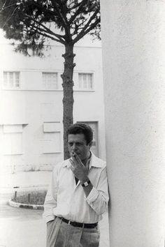 "Marcello Mastroianni, relaxed between takes of ""La Dolce Vita,"" Rome, 1958 - Tom Palumbo Marcello Mastroianni, Cinema Theatre, Theater, Italian Men, Man Movies, Cute Actors, Catherine Deneuve, Sophia Loren, Film Movie"