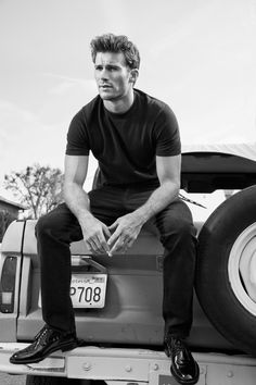 Scott Eastwood (The Longest Ride) Clint And Scott Eastwood, Scot Eastwood, Hair Men Style, The Longest Ride, Le Male, Hommes Sexy, Raining Men, Charlie Hunnam, J Brand Jeans