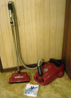 Eureka World Vac 6865 canister vacuum. Vintage Appliances, Home Appliances, Eureka Vacuum, Canister Vacuum, Vacuum Bags, Vacuum Cleaners, Canisters, Vacuums, Decorating Ideas