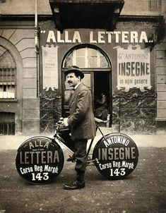 Alla Lettera - sign shop. Great capture.    —via welovetypography