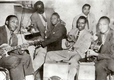 "Muddy Waters, Jerome Green (maraccas), Otis Spann, Henry Strong, Elgin Evans, Jimmy Rogers (presumably from the early 1950s); source: Mike Rowe: Chicago Blues - The City and the Music.- New York (Da Capo Paperback) 1975, first published in 1973 as ""Chicago Breakdown"", p. 146 (""from Chess files"")"