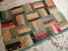 Antique doll quilts and doll beds fascinate me right now. I am also in a group hosted by Barbara Brackman. Old Quilts, Antique Quilts, Small Quilts, Mini Quilts, Vintage Quilts, Baby Quilts, Crib Quilts, Quilting Projects, Quilting Designs