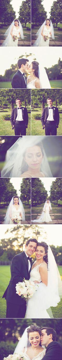 love my cousin @Madeleine Rau's wedding dress!