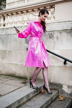 Gorgeous pink Pink Raincoat, Plastic Raincoat, Raincoats For Women, Jackets For Women, Vinyl Skirt, Latex, Fetish Fashion, Mode Vintage, Plastic