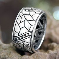 Men's sterling silver ring, 'Java Paths'