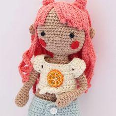 Peluche Pikachu amigurumi | CrochetyAmigurumis.com Charmander, Pikachu, Big Hero 6, Spiderman, Hello Kitty, Crochet Hats, Animal Crossing, Coral, Pdf