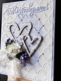 Moro å lage noe en vanligvis ikke gjøre....bryllupskort. Jeg har nå forsøkt meg :) Fun to make something I usually dont.....weddingcard....