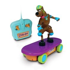 Scooby Doo may not be able to drive but he sure can skate! Cool skateboard with matching helmet Real, true to character Scooby Doo Scooby Doo Memes, Scooby Doo Toys, New Scooby Doo, Best Cartoons Ever, Cool Cartoons, Candy Bouquet Diy, Scooby Doo Mystery Incorporated, Caleb, Cool Skateboards