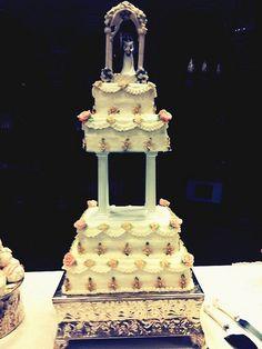 ~~Vintage wedding cake~~
