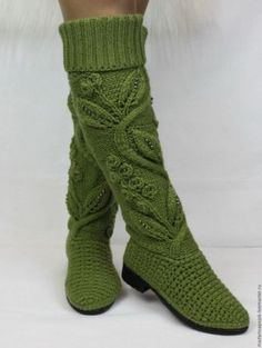 30 years old. Place of birth - Киев. Knit Shoes, Crochet Shoes, Crochet Baby Booties, Crochet Clothes, Crochet Lace, Diy Crochet Slippers, Crochet Boots Pattern, Knit Cardigan Pattern, Crochet Patterns